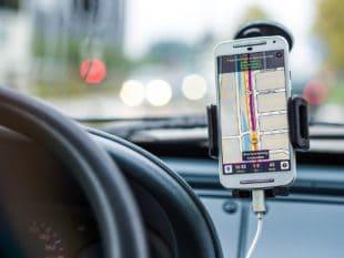 טלפון בנהיגה